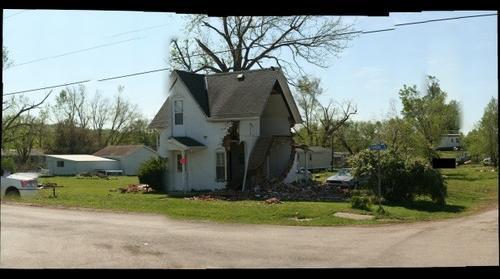 Old house in Thurman Iowa