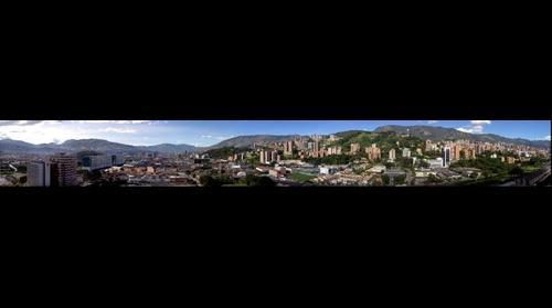 Vista de 230º desde Parque Central del Rio, Medellín, Antioquia, Colombia, Suramérica. 2012