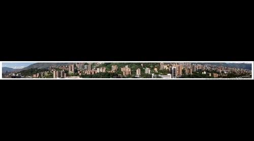 Vista de 180º desde Parque Central del Rio, Medellín, Antioquia, Colombia, Suramérica. 2012