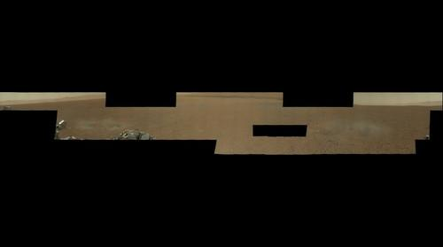 First High-Resolution Color Mosaic of Curiosity's Mastcam Images