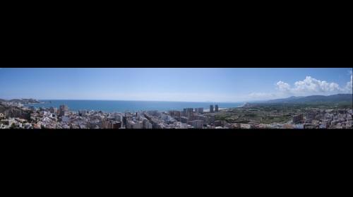 Vista panorámica de Cullera, una ciudad hermosa con unas playas de ensueño!.