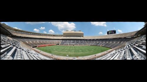 Neyland Stadium - 50 Yard Line