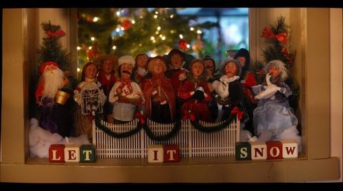Christmas Carolers 002