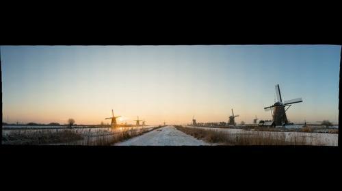 Kinderdijk Dutch Windmill ©Roderik van Nispen - www.fotograaf.org
