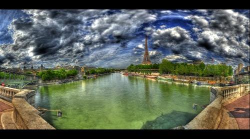 Siene Tour Eiffel Pano