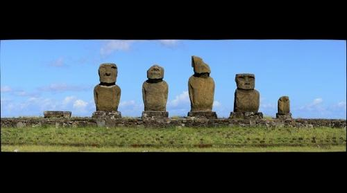 Moai - Ahu Tahai Easter Island