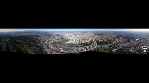 Vista aérea de Madrid sobrevolando la casa de campo
