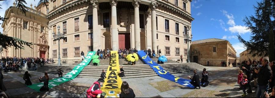 Flashmob de fomento del reciclaje en Salamanca