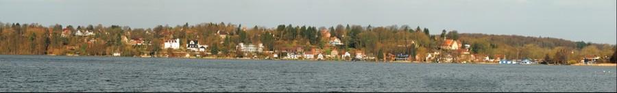 Blick vom Kleinbahndamm über den Küchensee auf St. Georgsberg