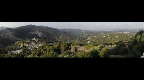 Vue vers le nord depuis le château de Grimaud