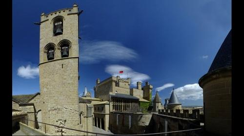 Olite (Navarra), castillo y alrededores. Olite (Navarra, Spain) castle and surroundings