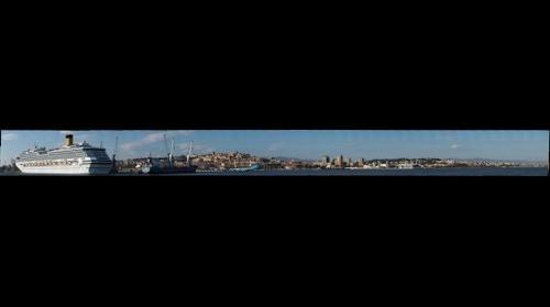 Cagliari vista dal molo di ponente