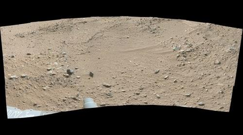 Curiosity sol 0329 false color close panorama