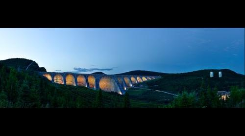 Daniel-Johnson Dam (Manic-5)