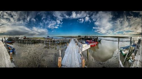 The palafito piers of the  Carrasqueira, Comporta