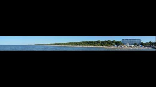 Kołobrzeg - widok z promenady na wybrzeże Bałtyku (Kołobrzeg-Baltic coast)