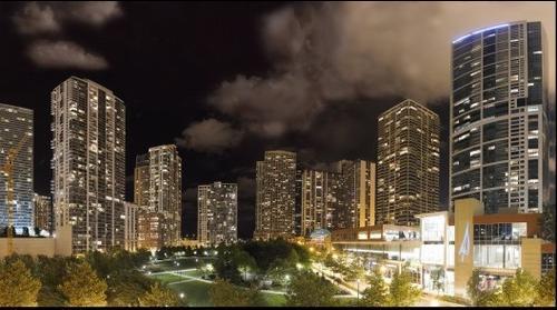 Theme: City   Title: Chicago Night