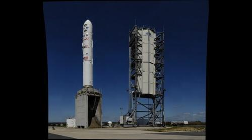 LADEE spacecraft on Minotaur V launch vehicle, MARS launch pad 0B