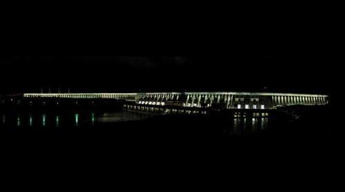 Hidroeléctrica Itaipú con Iluminación Monumental