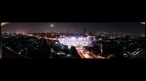 Full Moon over Wong Wian Yai (Bangkok)