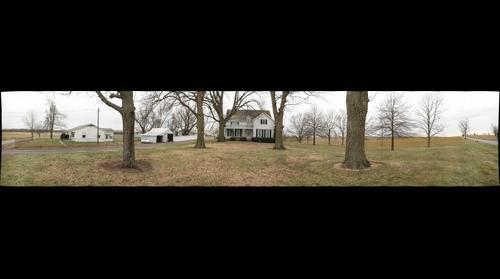 Front yard of Nischwitz house