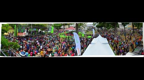 Gigapan of Bmobile's bSquare event