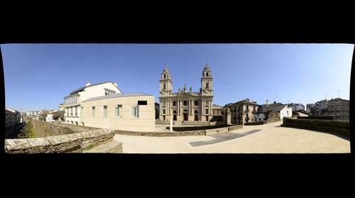 Lugo. Catedral e muralla romana - Lugo, Cathedral & Roman walls