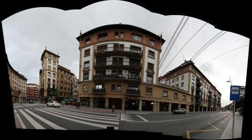 Edificio donde se ancla el puente de Portugalete (7 imgs - 99 mgpx)