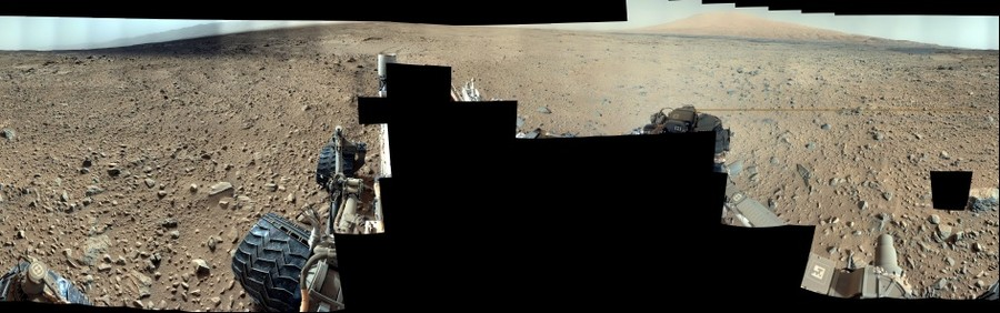 Curiosity, Sol 696 (mosaic)