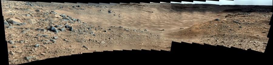 Curiosity, sol 703 (mosaic)