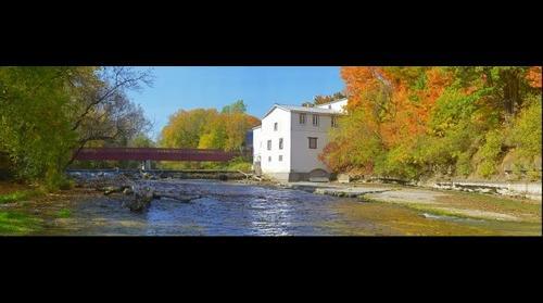 La rivière du chêne et le moulin Légaré à Saint-Eustache, Québec, Canada