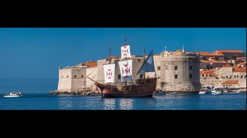 Dubrovnik with karaka