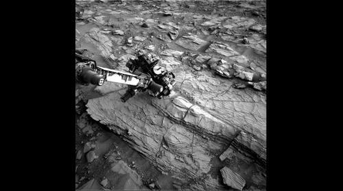 http://mars.jpl.nasa.gov/msl-raw-images/proj/msl/redops/ods/surface/sol/00828/opgs/edr/ncam/NRB_471014885EDR_F0442062NCAM00320M_.JPG