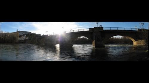 Río Aragón y puente medieval de Cáseda