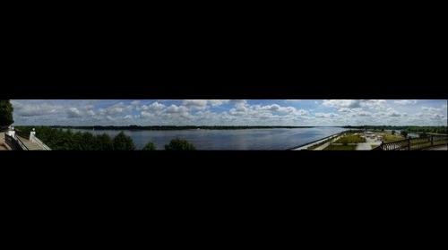 This photo - view to Yaroslavl', Volzhskaya quay, 1 - taken by Shikov Volodya