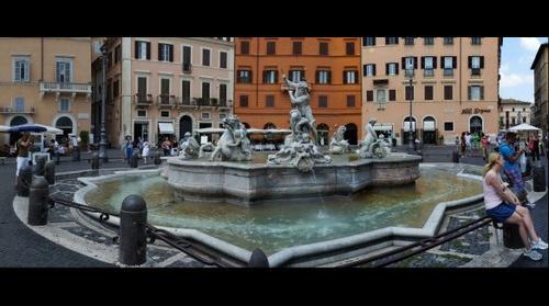 This photo - view to Fontana del Nettuno, Piazza Navona, 00186 , Rome, Italy - taken by Shikov Volodya