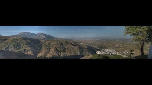 Panoramica de Tolox desde el Hotel Cerro del Hijar (ampliada)