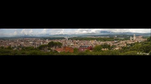 Giga Panorámica de Girona