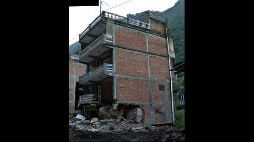 Rockfall Damage - 2015 Nepal-Gorkha Earthquake