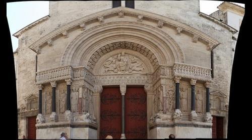Saint Tromphime, Arles mid-zoom