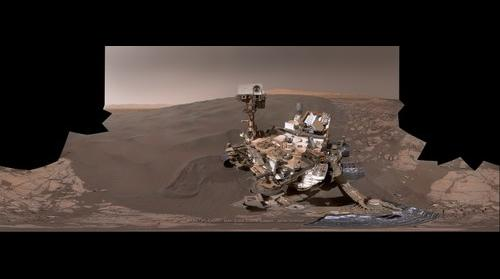 "MSL Curiosity Sol-1228 MAHLI ""Selfie"" at the Namib dune field"