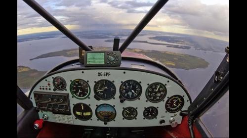 Cockpit of Piper Super Cub