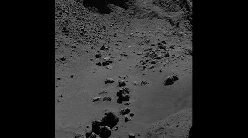 Mining activity and equipment on comet Churyumov-Gerasimenko