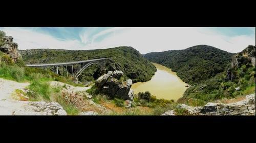 El rio Duero a su paso por Villadepera (Zamora, España) - Duero river in Villadepera, Zamora (Spain)
