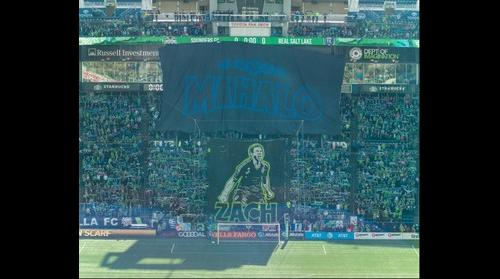 Zach Scott tifo