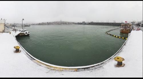 Snow in Istanbul 16 - Golden Horn Eminönü
