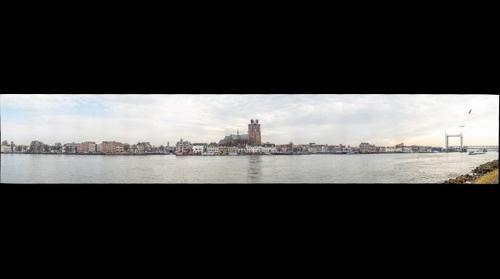 Zicht op Dordrecht 200mm februari 2017