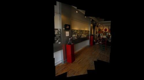 Yvon Benoit � la galerie la petite mort gallery002