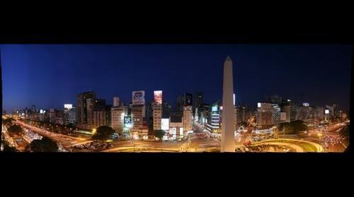 obelisco nocturna 1