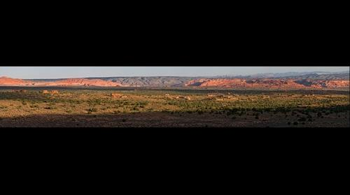 Sunrise @ Paria Canyon & Vermillion Cliffs via White Pockets